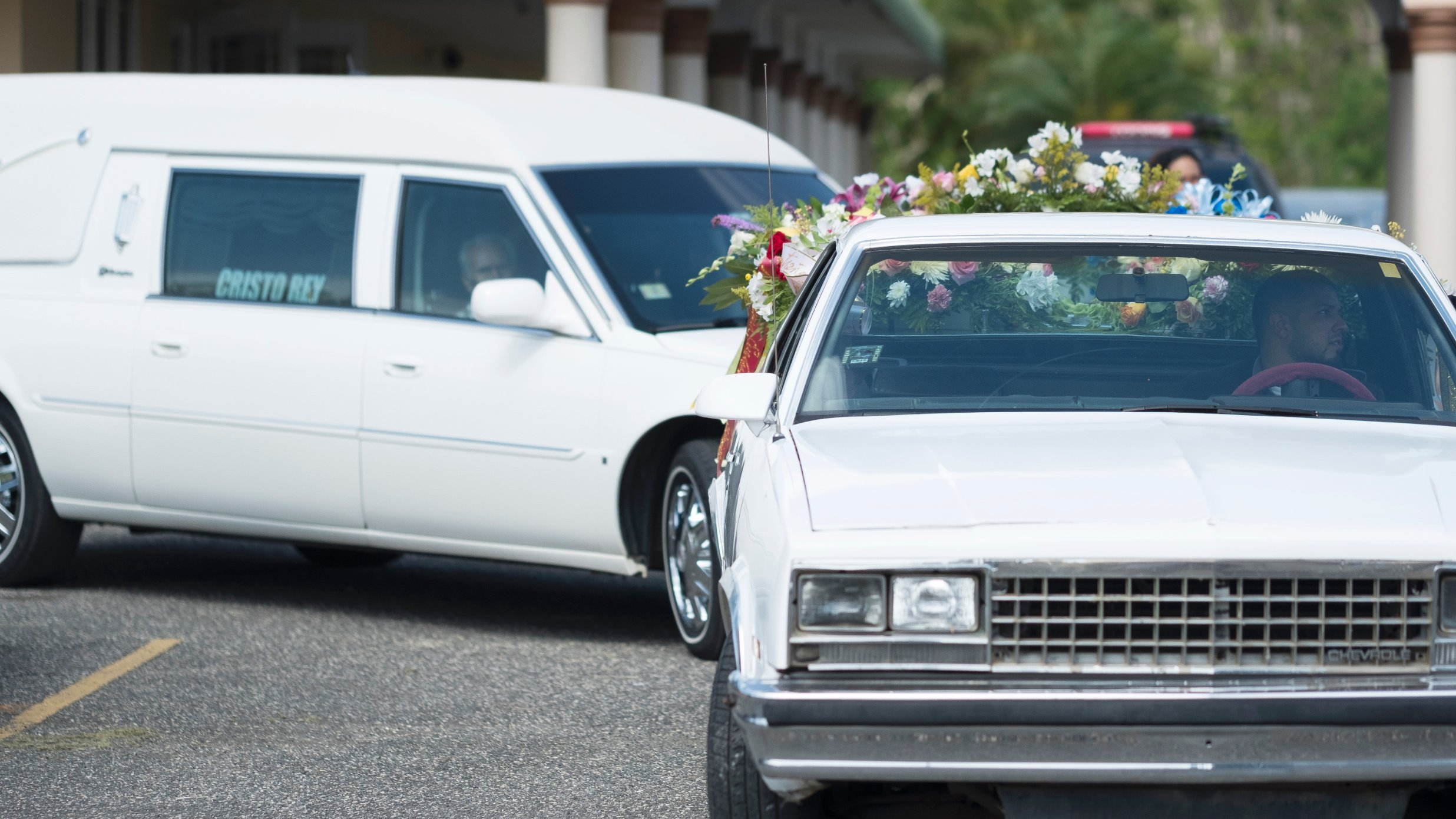 La funeraria Cristo Rey, que se encargó del cuerpo de Rivera, dice que ha visto 39 muertes en el mes transcurrido desde el huracán.