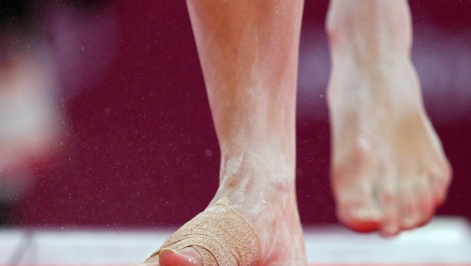 Detalle de los pies de McKayla Maroney durante la final de gimnasia artística en los Juegos de Londres el 31 de julio de 2012. Crédito: Ronald Martinez / Getty Images