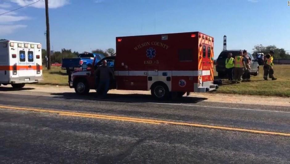 El atacante fue abatido luego de una breve persecución que llegó hasta el vecino condado de Guadalupe, según el vocero de la oficina del sheriff del Condado de Guadalupe, Robert Murphy.