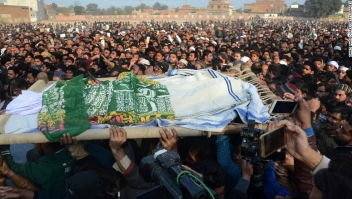 Pakistani residents carry the body of a girl during her funeral in Kasur in Punjab Province on January 10, 2018, following her rape and murder. At least two people were killed when a protest against the rape and murder of an eight-year-old girl turned violent in Pakistan on January 10, police said, as a city scarred by child abuse erupted in fury. Paramilitary forces were called to the city of Kasur near the Indian border, Punjab provincial police said. A senior police official told AFP hundreds were protesting the killing, which also prompted a deluge of outrage on social media. / AFP PHOTO / GHAZI AHMED (Photo credit should read GHAZI AHMED/AFP/Getty Images)