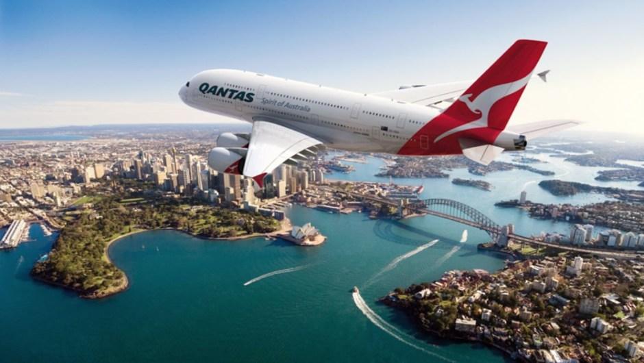 5. Qantas: Qantas no solo es una de las aerolíneas más seguras del mundo, un impresionante 86.18% de los vuelos de la aerolínea australiana llegan o salen a tiempo.
