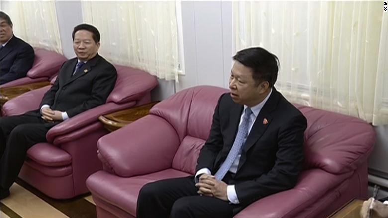 El enviado chino Song Tao encabezó la delegación que se reunió con Kim en Dandong.