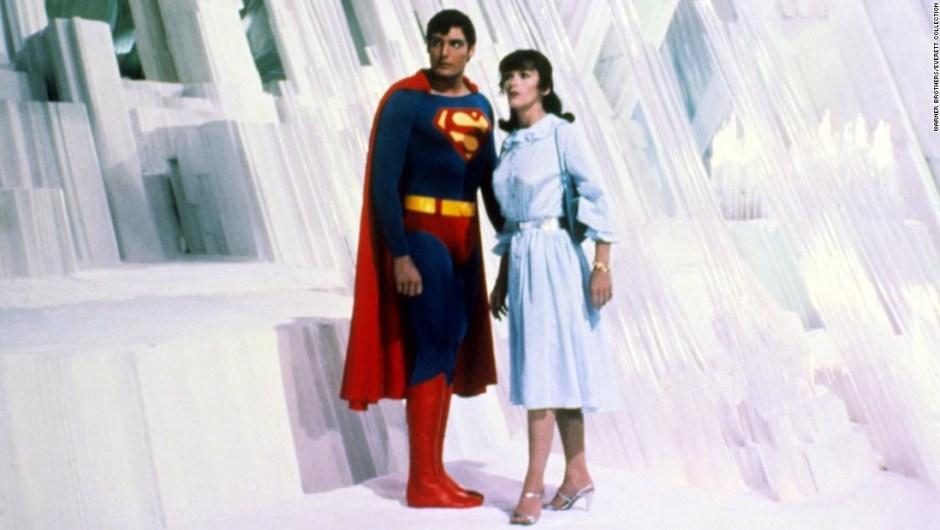Margot Kidder, quien interpretó a Lois Lane en la película 'Superman' original de 1978, murió el 13 de mayo a los 69 años.