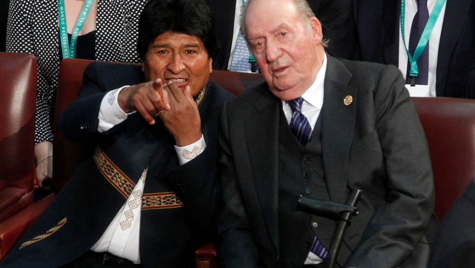 Bolivia's President Evo Morales (L) and Spain's King emeritus Juan Carlos I attend the inauguration ceremony of Chilean new President Sebastian Pinera (out of frame), at the Congress in Valparaiso, Chile, on March 11, 2018. Rightwing billionaire businessman Pinera was sworn in as the new president of Chile for the second time. / AFP PHOTO / CLAUDIO REYES (Photo credit should read CLAUDIO REYES/AFP/Getty Images)