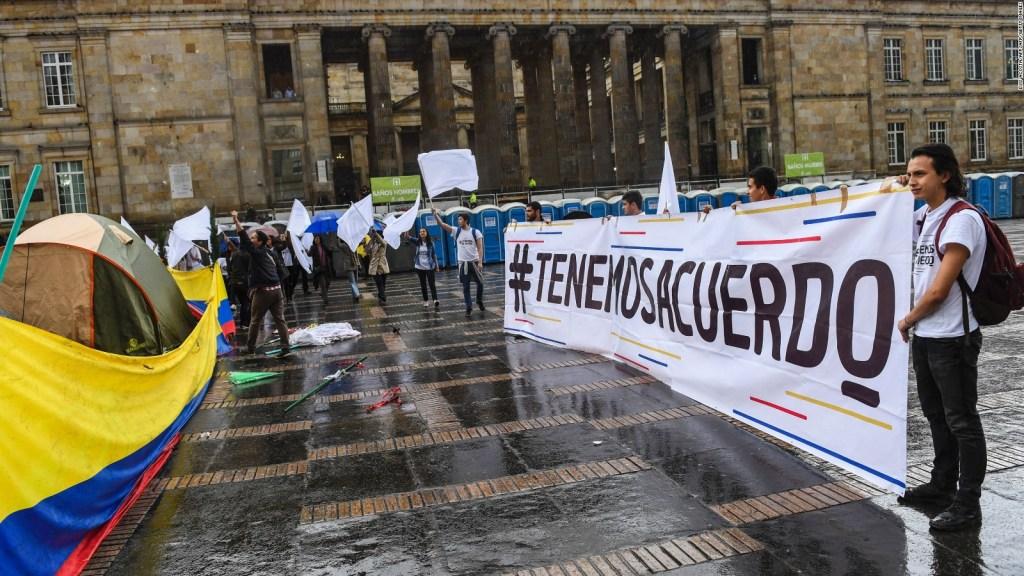 Sospechan del manejo de fondos para la paz en Colombia