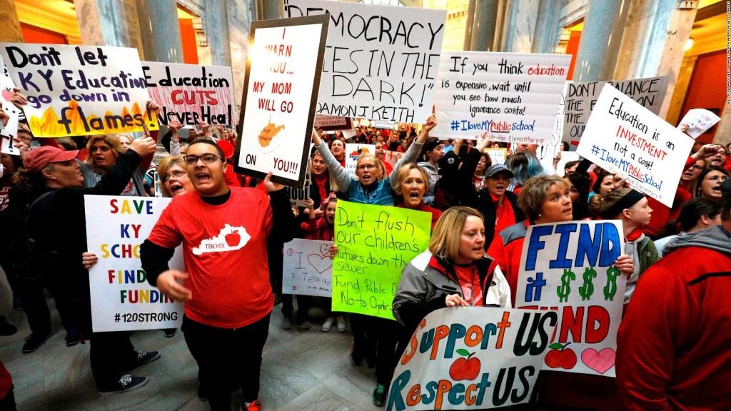 Mega marcha de maestros se toma estados de Kentucky y Oklahoma