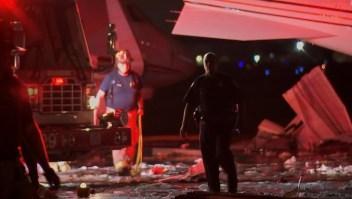 Un hangar destrozado y varios aviones dañados deja tormenta en Houston