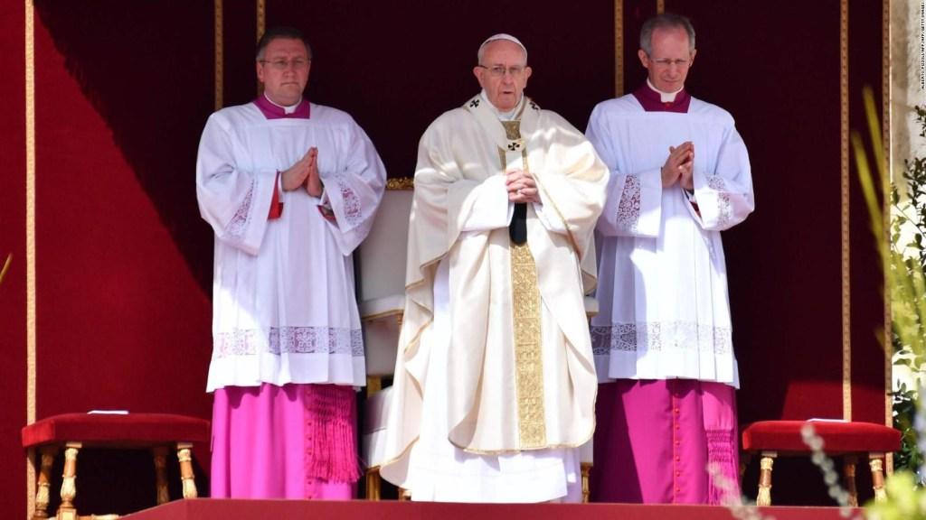 EL papa condena presunto ataque químico en Siria