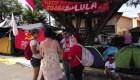 Miles siguen acampados acompañando a Lula en su detención