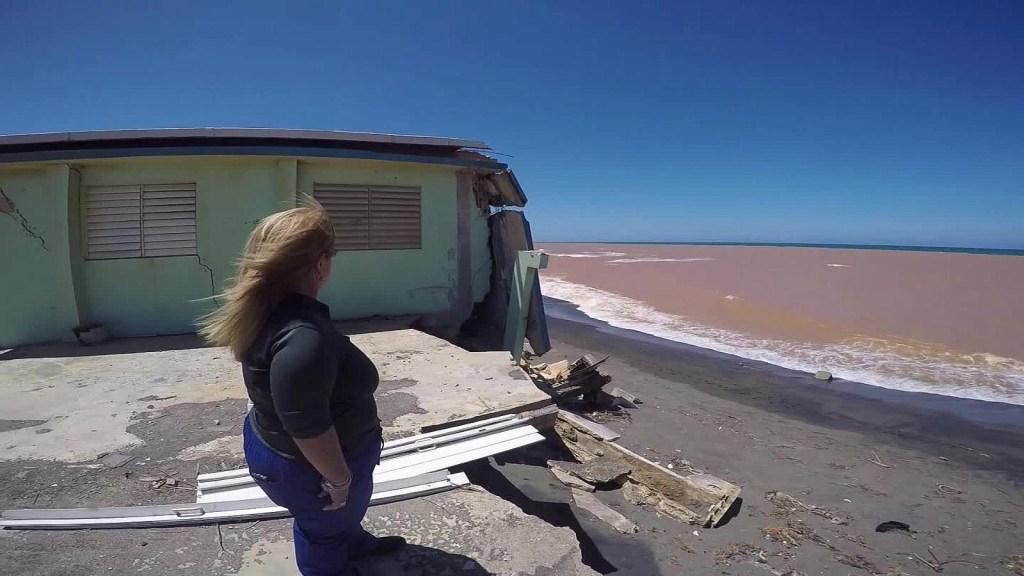 Marejadas en la costa de Puerto Rico destruyeron varias casas