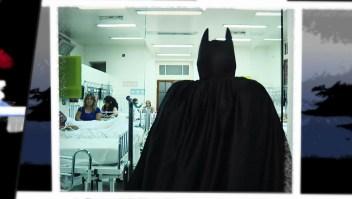 """Los Inusuales: El """"Batman"""" solidario de La Plata"""