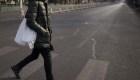 China rocía con agua a los peatones imprudentes