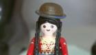 """Una muñeca de la """"cholita"""" paceña hecha de Playmobil"""