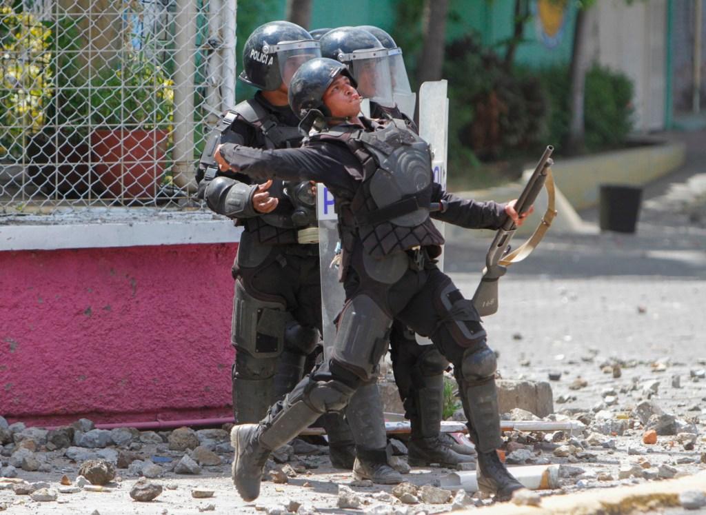 Protestas Nicaragua Seguro Social policia