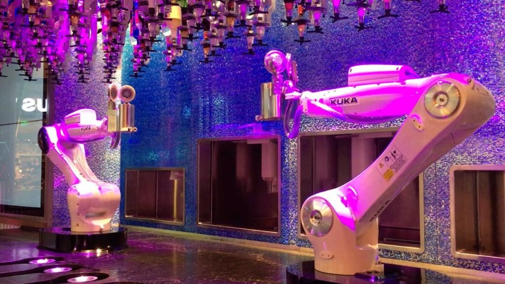 ¿Qué bebida le pedirías a un barman robótico?