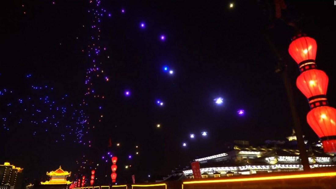 #LaImagenDelDía: espectáculo de drones y luces en cielo chino