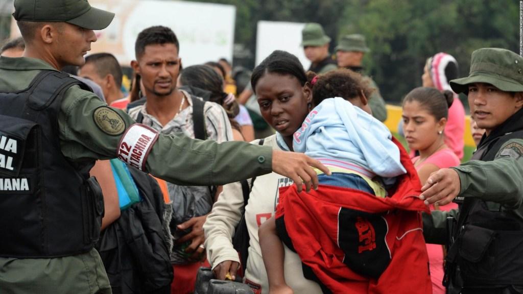 Cruce de venezolanos a Colombia aumenta 40%