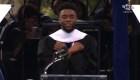 'Black Panther' saluda a los graduados al estilo 'Wakanda'