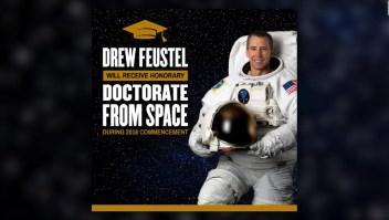Este astronauta se gradúa desde el espacio