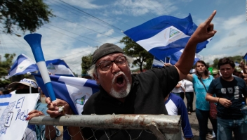 Estudiantes nicaragüenses piden a Daniel Ortega que se vaya