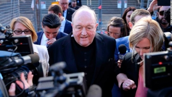 epaselect epa06754978 Archbishop Philip Wilson (C) leaves the Newcastle Local Court in Newcastle, New South Wales, Australia, 22 May 2018. Adelaide Archbishop Philip Wilson has been found guilty on four charges of concealing child sexual abuse during the 1970's. EPA-EFE/PETER LORIMER AUSTRALIA AND NEW ZEALAND OUT
