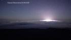 Así se ve la erupción del volcán Kilauea desde arriba de las nubes