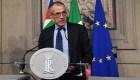 Cotarelli renuncia como primer ministro de Italia