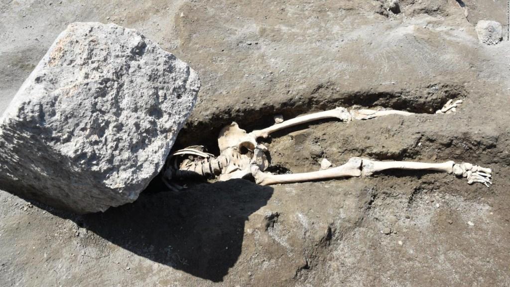 Encuentran restos de una víctima decapitada en Pompeya