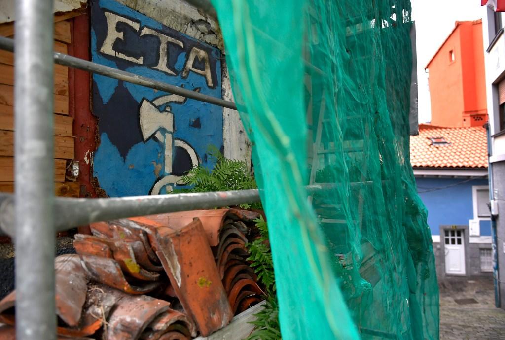 Imagen con una pintada de la banda separatista ETA en el País Vasco francés. (Crédito: ANDER GILLENEA/AFP/Getty Images)