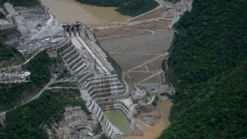 Imagen aérea de la presa de Hidroituango, en el río Cauca, Colombia. (Crédito: JOAQUIN SARMIENTO/AFP/Getty Images)