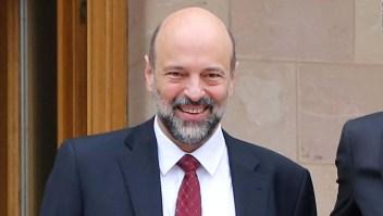 Al Razzaz es designado primer ministro de Jordania.