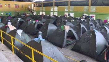 Temor de desbordamiento mantiene en albergues a miles en Colombia