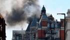 Un edificio del centro de Londres se incendia
