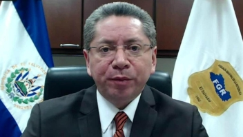 Fiscal general de El Salvador: Funes corrompió al Estado