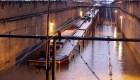 Las lluvias del huracán Bud dejan bajo el agua un tren ligero en México