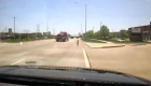 Policía rescata a niño que corría solo por una carretera