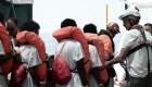 Inmigrantes rescatados en el Mediterráneo, rumbo a España