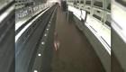 #EstoNoEsNoticia: Ciervo da un susto en el metro de Washington