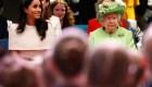 #LaImagenDelDía: La reina Isabel y Meghan Markle viajan en el tren real