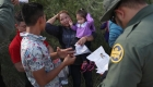 ¿Qué hacer en la frontera cuando las actas de nacimiento no son iguales?