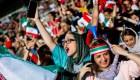 Mujeres iraníes entran por primera vez en un estadio