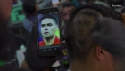 Peluquero colombiano esculpe a cracks de Rusia en pelo