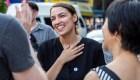 El festejo de la candidata demócrata al Congreso de corte socialista