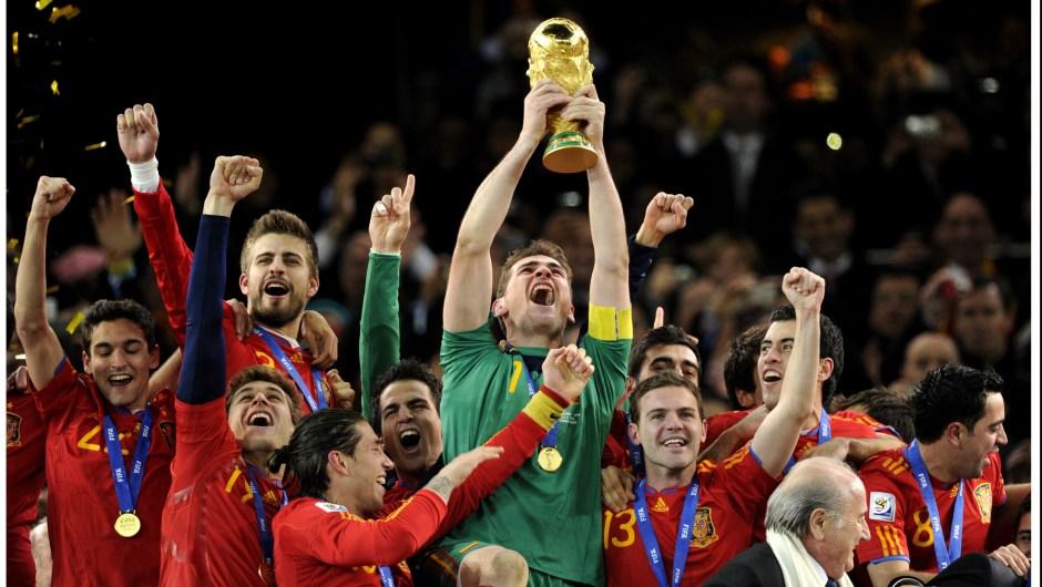 España ganó la Copa Mundial de Fútbol de Sudáfrica en 2010. Crédito: OLIVER LANG/AFP/GettyImages)