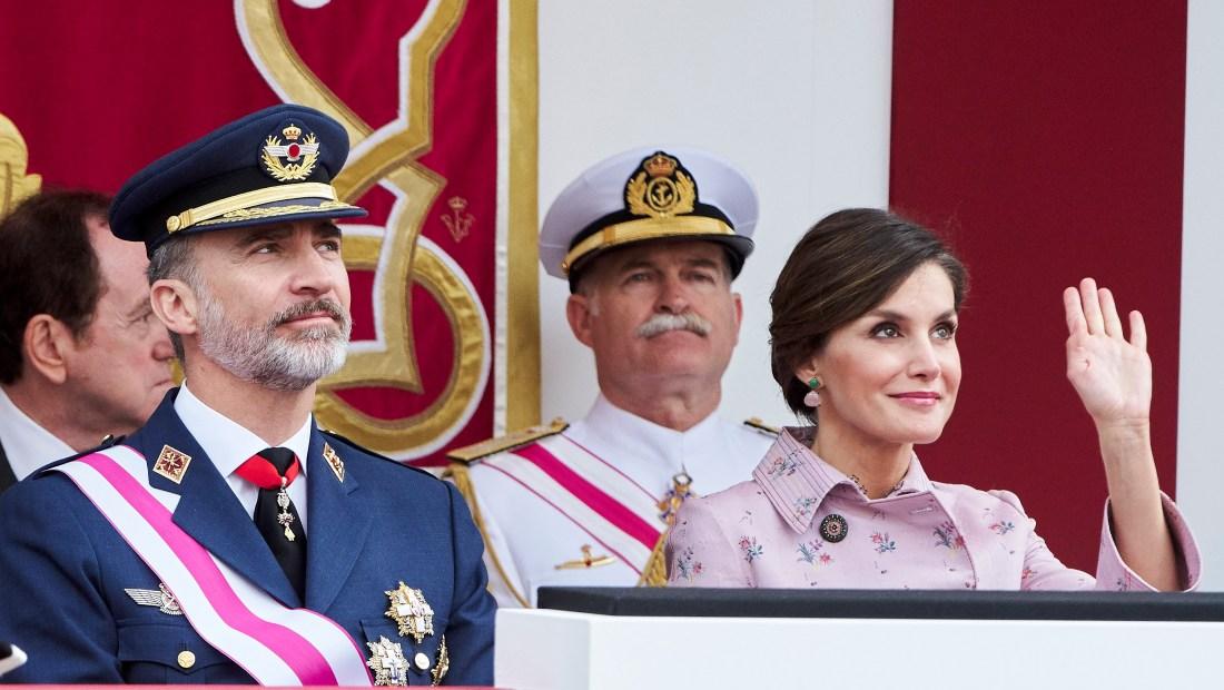 Felipe VI y Letizia, reyes de España, durante la celebración del Día de las Fuerzas Armadas, el 26 de mayo de 2018. (Crédito: Carlos Alvarez/Getty Images)