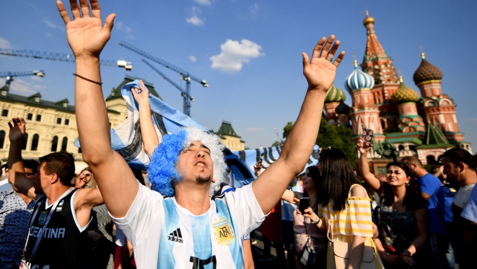 MOSCOW, RUSSIA - JUNE 18: Fan of Argentina sings at Moscow Red Square on June 18, 2018 in Moscow, Russia. (Photo by Hector Vivas/Getty Images )