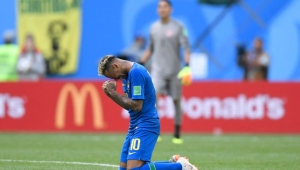 TOPSHOT - Brazil's forward Neymar cries after scoring a goal during the Russia 2018 World Cup Group E football match between Brazil and Costa Rica at the Saint Petersburg Stadium in Saint Petersburg on June 22, 2018. (Photo by GABRIEL BOUYS / AFP) / RESTRICTED TO EDITORIAL USE - NO MOBILE PUSH ALERTS/DOWNLOADS (Photo credit should read GABRIEL BOUYS/AFP/Getty Images)