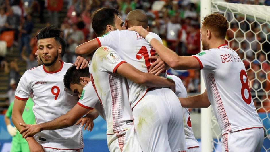 El equipo de Túnez celebra el segundo gol ante Panamá. (Crédito: JUAN BARRETO/AFP/Getty Images)