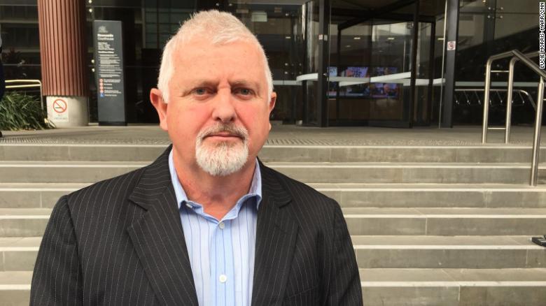 Peter Gogarty, víctima del sacerdote pedófilo James Fletcher, dijo que estaba decepcionado porque el arzobispo Wilson no había recibido una sentencia de prisión.