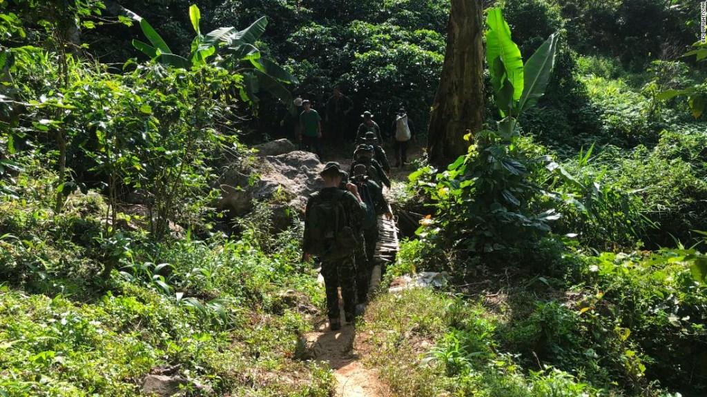 Rescatistas buscan en la jungla nuevas entradas a la cueva de Tailandia donde están atrapados los niños desde hace casi dos semanas.